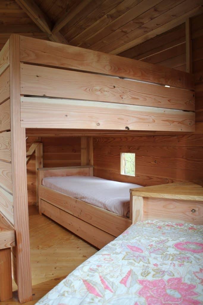 Le lit cabane pour les enfants
