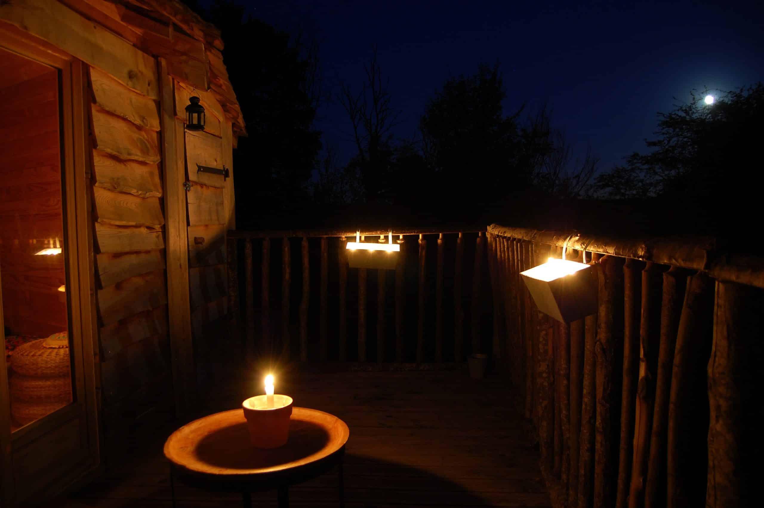 Cabane perch e nuit insolite et nature en amoureux ou en for Nuit en amoureux
