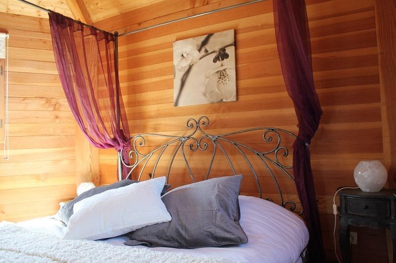 Cabane dans les arbres Écureuil avec salle deau privative