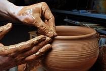Profiter des vacances avec ses petits-enfants stage poterie