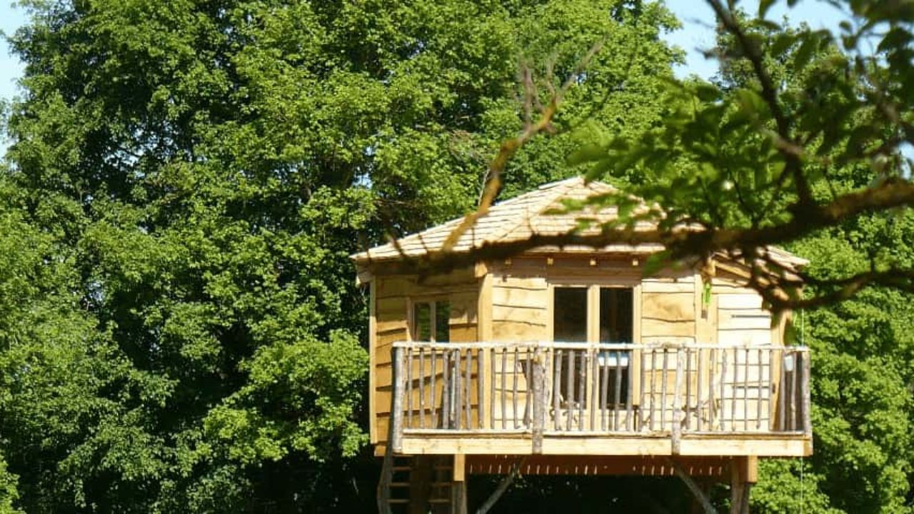 Cabane dans les arbres dans le Centre, réserver une nuit en