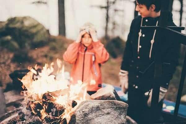 Yourte avec feu de camp